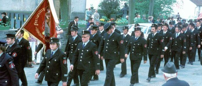 Festumzug anlässlich der Fahnenweihe 1977